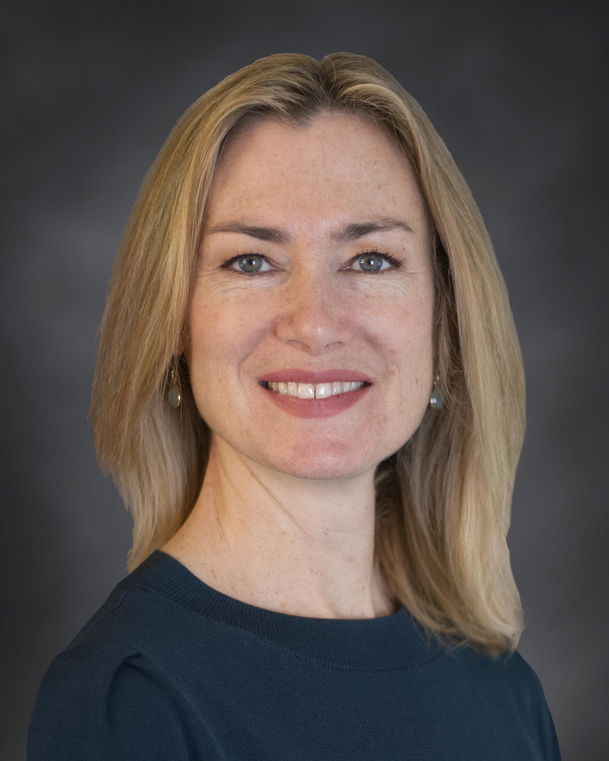 Karin Bloomer headshot